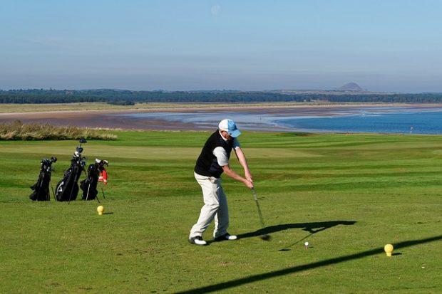 golf-swing-970892_640